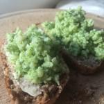 zelfgemaakte groene pesto