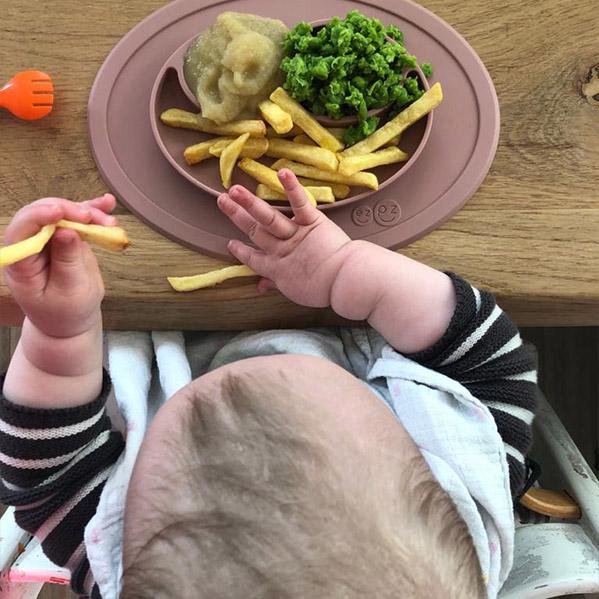 Kleintjes kind - 12 maanden eten